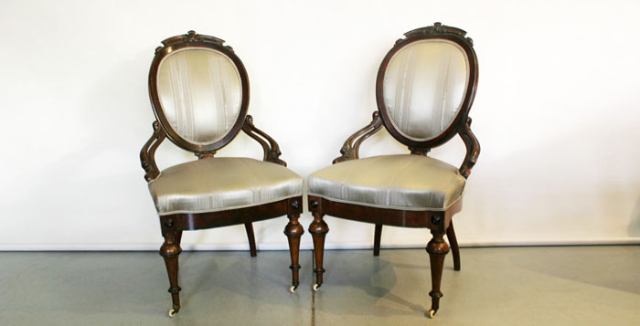 air of Victorian armchairs in Mokum Moire silk.